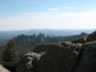 640px-Needles_from_Harney_Peak